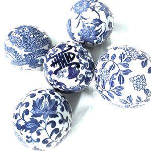 Other - VINTAGE PORCELAIN BLUE & WHITE DECORATIVE SPHERES